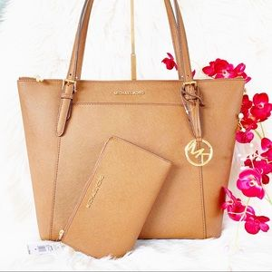 Michael Kors Ciara Tote W/ Matching Wallet Set